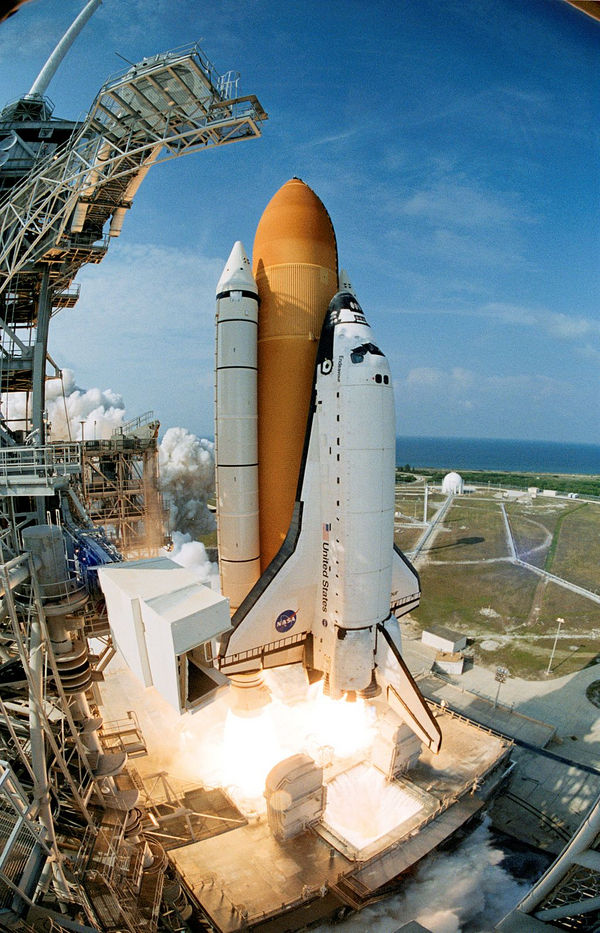 STS 111 launches from Kennedy Space Center